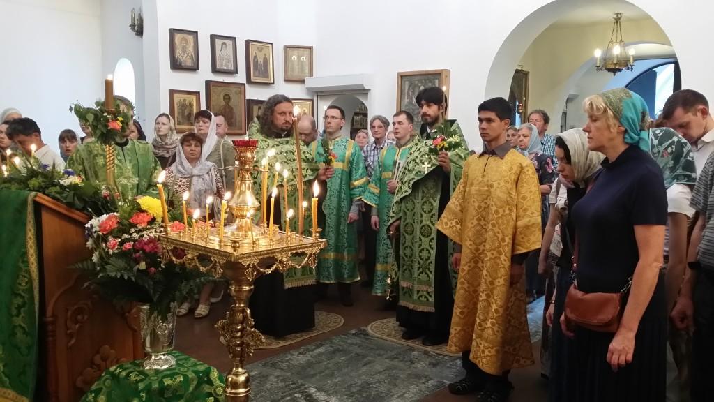 Всенощное бдение в День Святой Троицы