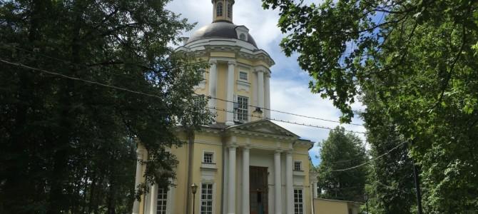 Храм в Виноградово в день престольного праздника 6 июля 2016 г.
