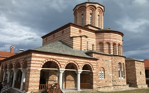 Монастырь великомученика Димитрия Солунского Komnenion (Успенский и Дмитриевский) в окрестностях Стомио (Центральная Греция)