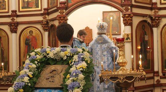 Вечернее богослужение накануне праздника Сретения Владимирской иконы Божией Матери. 7 сентября 2017 г.